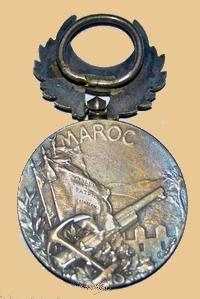 Insignes, Médailles, Ecussons Militaires et Civils - Page 16 Honneu11