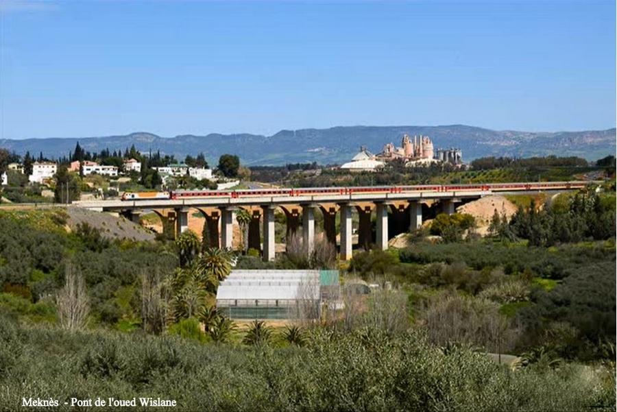 Transports CFM, Gares et Affiches du Maroc - Page 23 Meknzo56