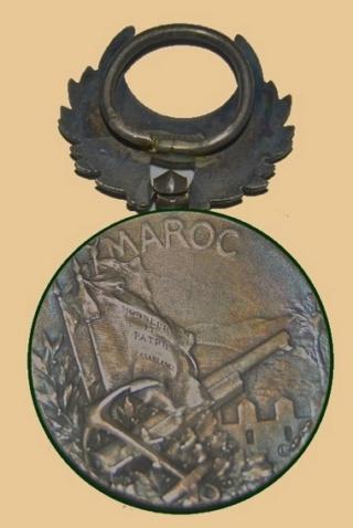 Insignes, Médailles, Ecussons Militaires et Civils - Page 16 Mzodai10