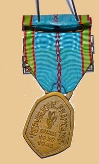 Insignes, Médailles, Ecussons Militaires et Civils - Page 16 Rzopub10