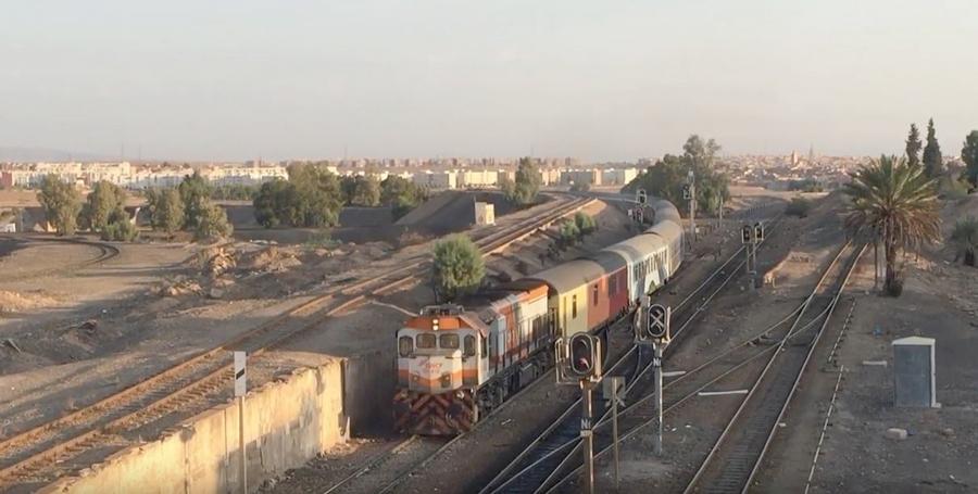 Transports CFM, Gares et Affiches du Maroc - Page 23 Train_12