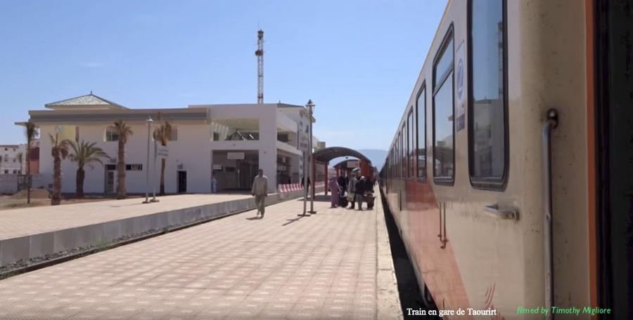 Transports CFM, Gares et Affiches du Maroc - Page 23 Train_13