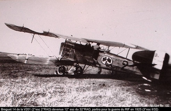 Aviation : les 1ères escadrilles et grands pilotes Web14r10