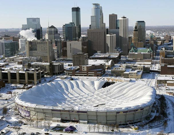 Le toit du Metrodome de Minneapolis s'effondre ! Metrod10