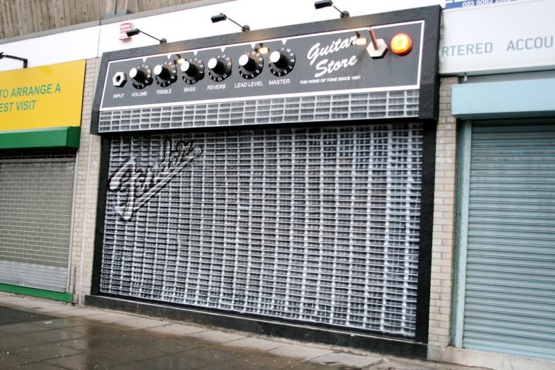 STREET VIEW : les façades de magasins (Monde) - Page 4 The_gu11