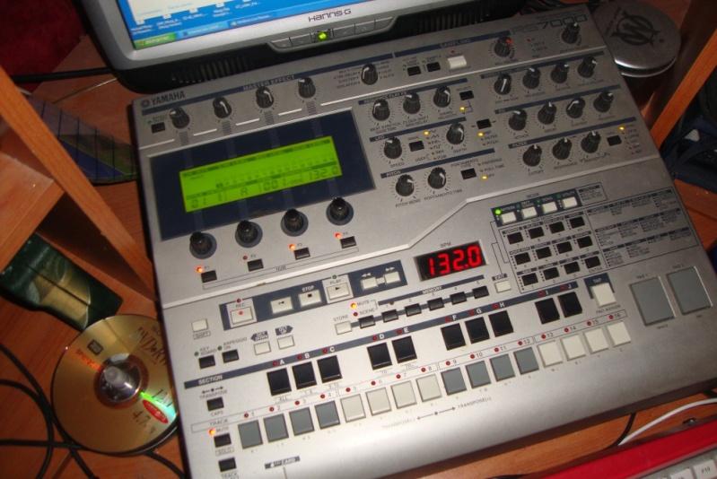 Matériel de studio : synthétiseurs, effets, BAR / workstation... Rs700010