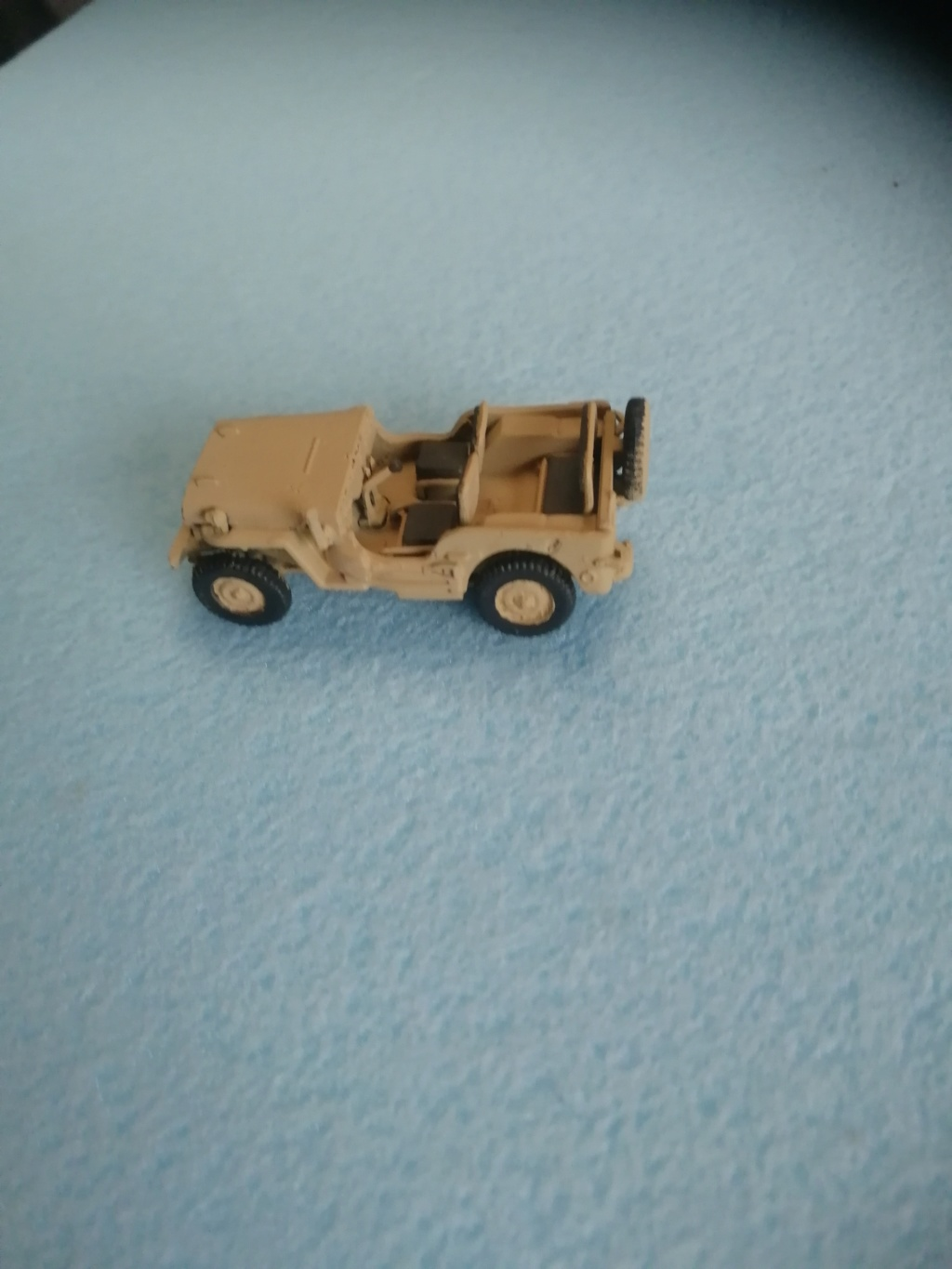 Jeep Willys  1/72éme Img_2109
