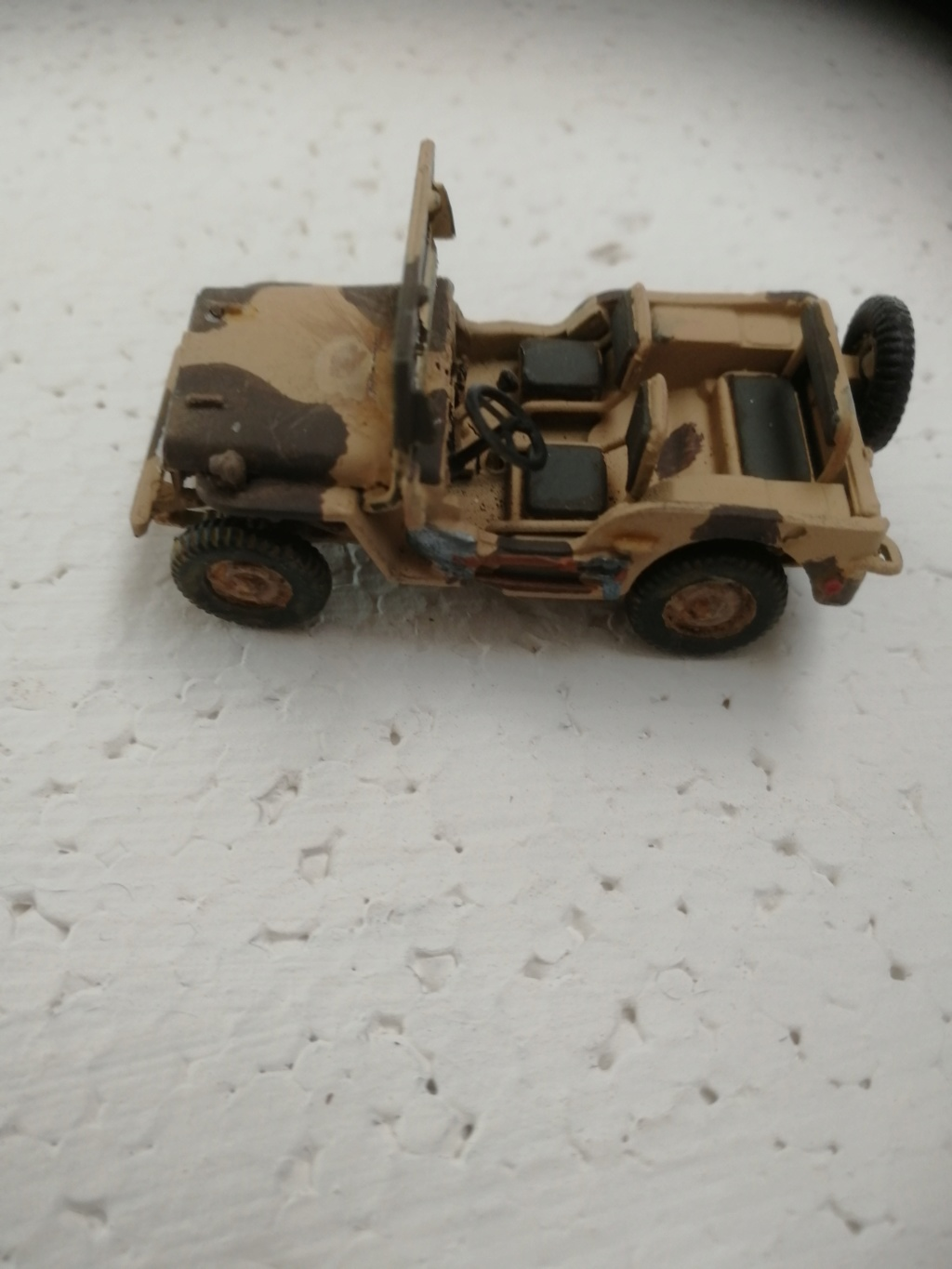 Jeep Willys  1/72éme Img_2110