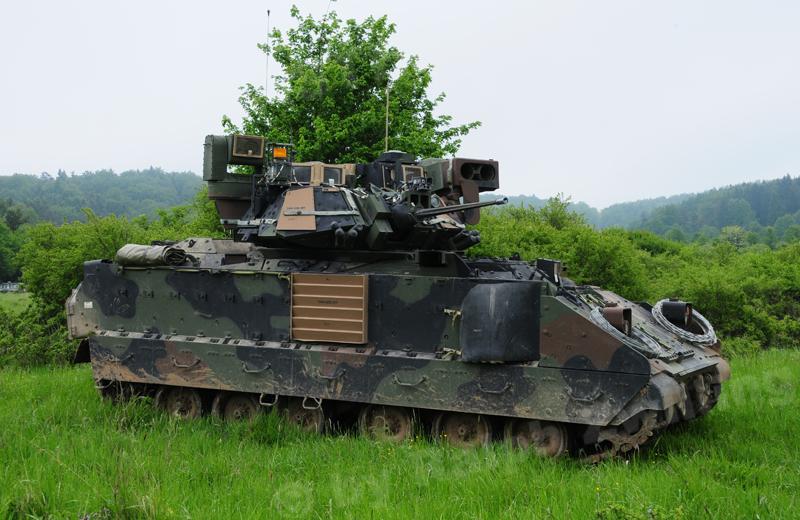 Bradley  M2 Us-tra10