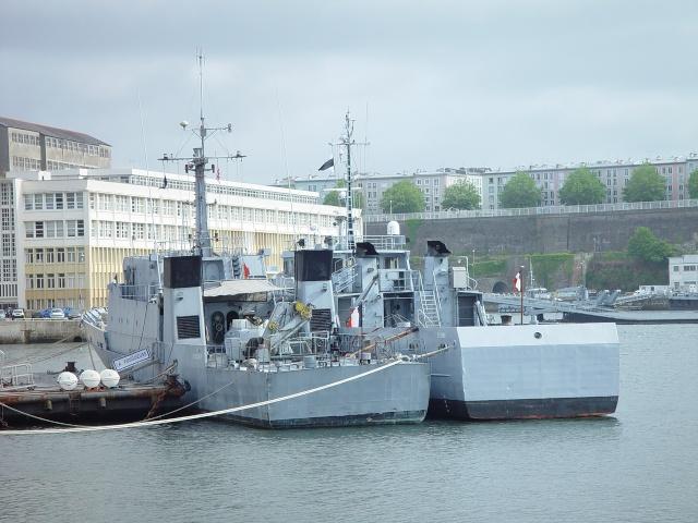 [Autre sujet Marine Nationale] Démantèlement, déconstruction des navires - TOME 1 - Page 4 15_jui10