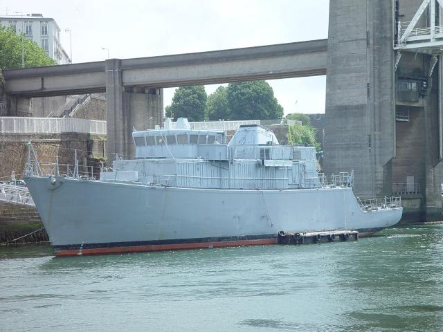 [Autre sujet Marine Nationale] Démantèlement, déconstruction des navires - TOME 1 - Page 4 15_jui14