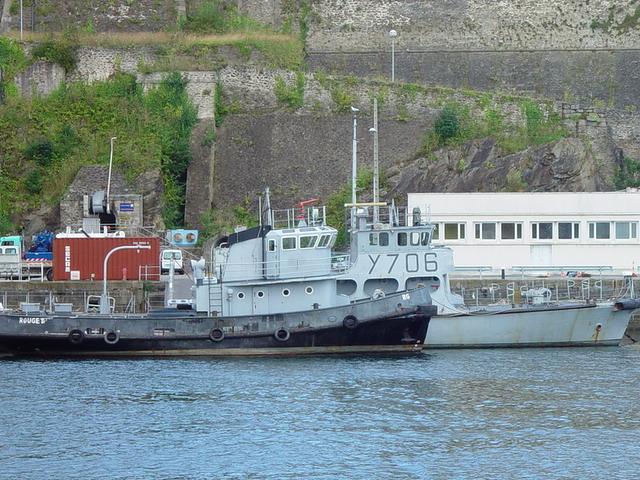 [Autre sujet Marine Nationale] Démantèlement, déconstruction des navires - TOME 1 - Page 5 2807_014