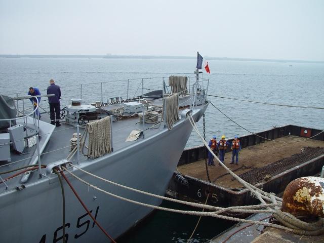 [Autre sujet Marine Nationale] Démantèlement, déconstruction des navires - TOME 1 - Page 6 Dsc06511