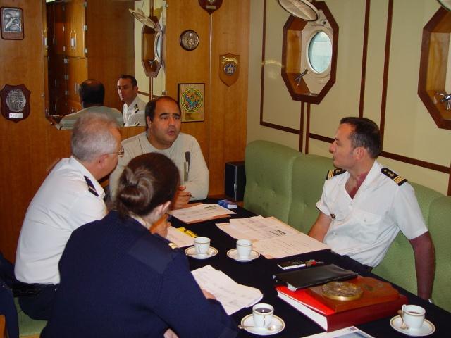 [Autre sujet Marine Nationale] Démantèlement, déconstruction des navires - TOME 1 - Page 6 Dsc06613
