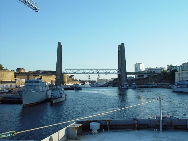 [Les ports militaires de métropole] Port de Brest - Page 3 Fgs_rd15