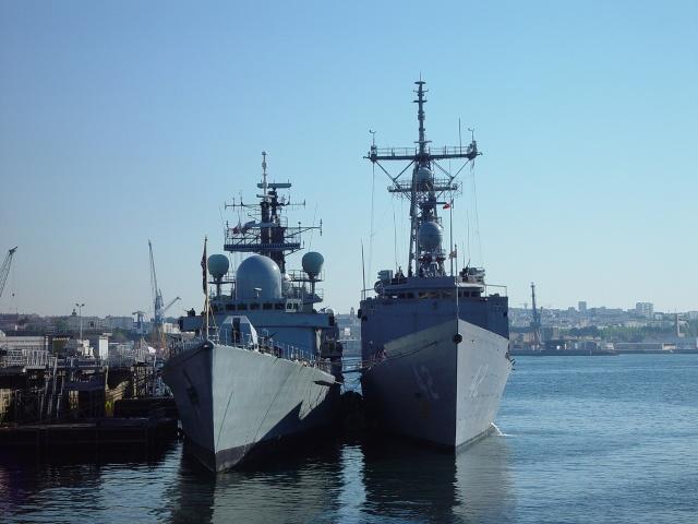 [Les ports militaires de métropole] Port de Brest - TOME 1 Frukus11