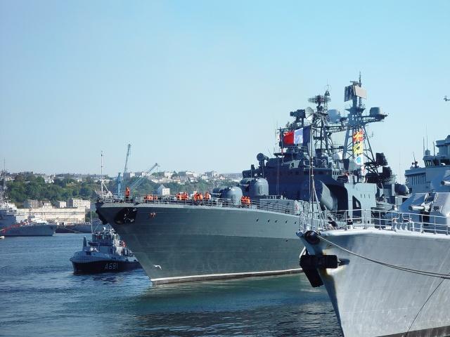 [Les ports militaires de métropole] Port de Brest - TOME 1 Frukus14