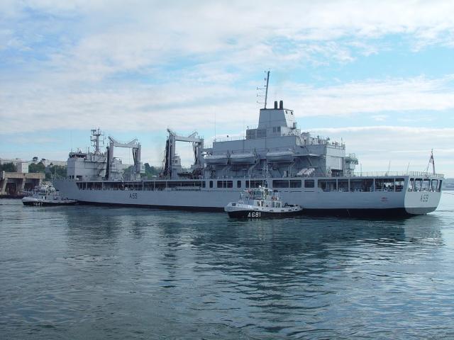 brest - [Les ports militaires de métropole] Port de Brest - TOME 1 - Page 2 Juin_010