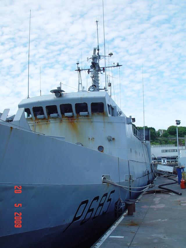 [Autre sujet Marine Nationale] Démantèlement, déconstruction des navires - TOME 1 - Page 5 Mai_4110
