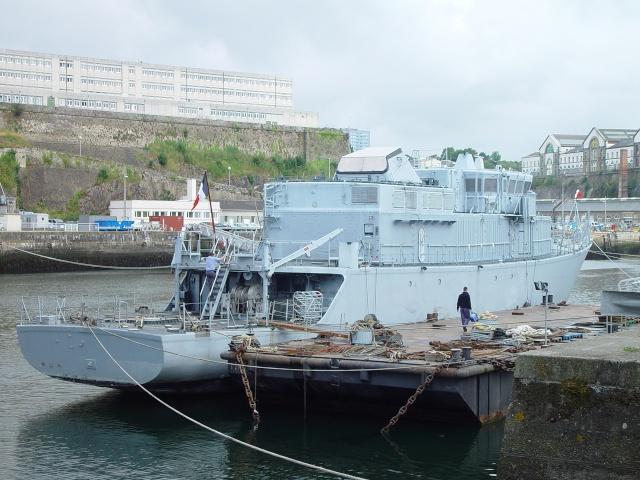 [Autre sujet Marine Nationale] Démantèlement, déconstruction des navires - TOME 1 - Page 4 Persae17