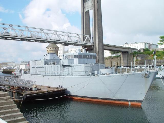 [Autre sujet Marine Nationale] Démantèlement, déconstruction des navires - TOME 1 - Page 4 Persae18
