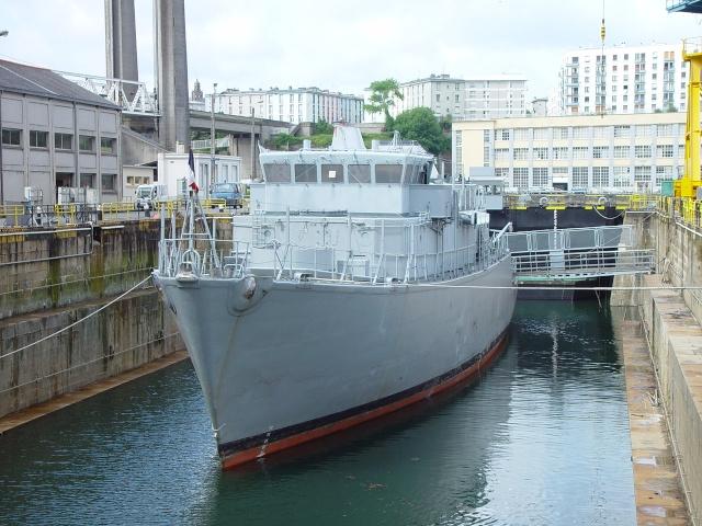[Autre sujet Marine Nationale] Démantèlement, déconstruction des navires - TOME 1 - Page 4 Persee11