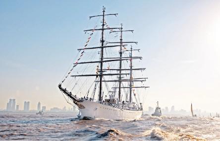 La Armada en los medios - Página 9 97706810