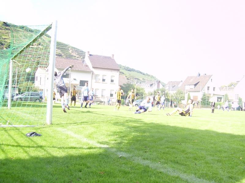 1.Spieltag: BaWa - SC Sinzig II 7:3 (2:3) P8220110