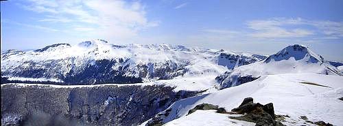 Panorama des Monts Toute210