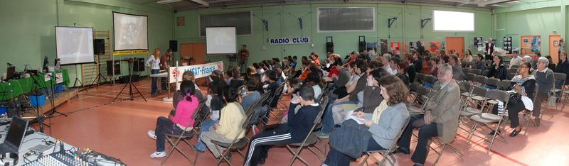 Contact ARISS avec une école de Viry-Chatillon le 2 avril 2009 Ariss110