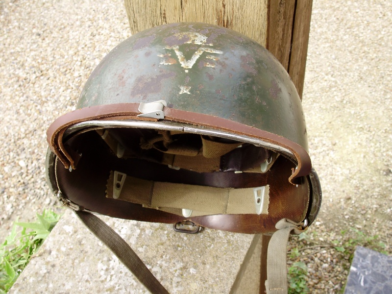 RARE CASQUE US M1 D'UN CAPITAINE DU 1er RCP 1944 P4140013