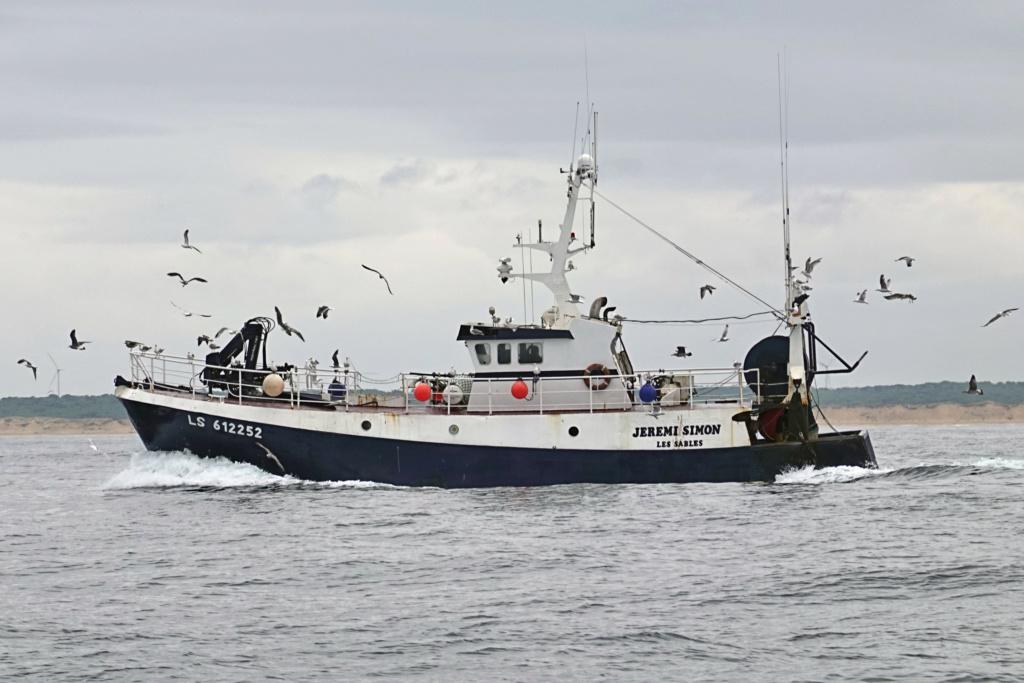 [VIE DES PORTS] Quelques bateaux de pêche (sur nos côtes Françaises) - Page 2 06ma_116
