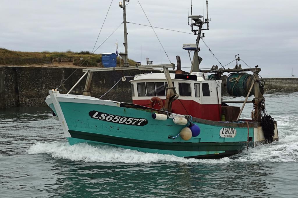[VIE DES PORTS] Quelques bateaux de pêche (sur nos côtes Françaises) - Page 2 06ma_117