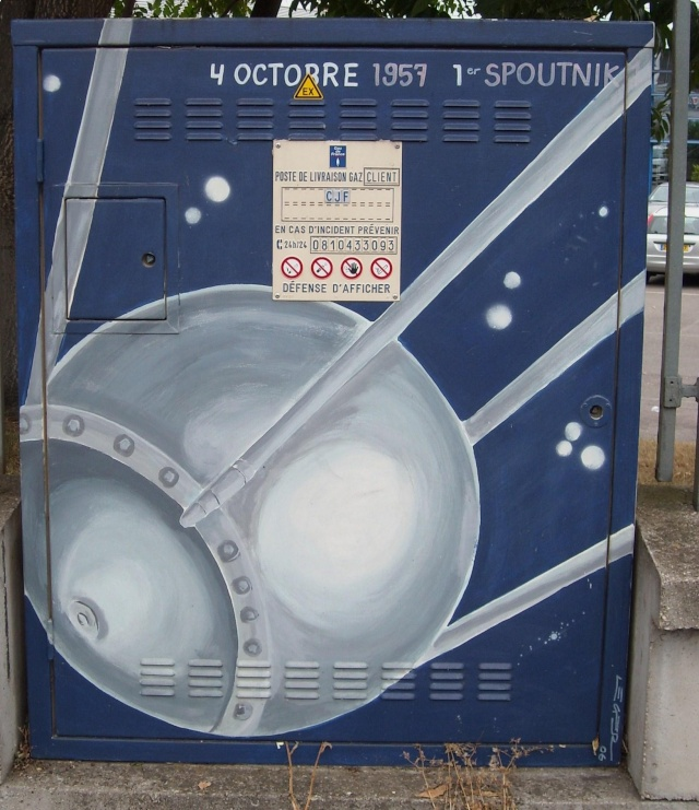 drancy - Superbe / Space Street Art à Drancy Dscn7210