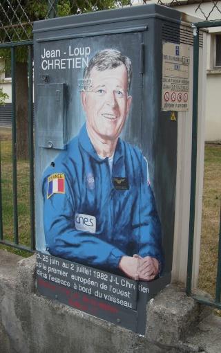 drancy - Superbe / Space Street Art à Drancy Dscn7214