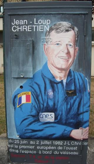 drancy - Superbe / Space Street Art à Drancy Dscn7215