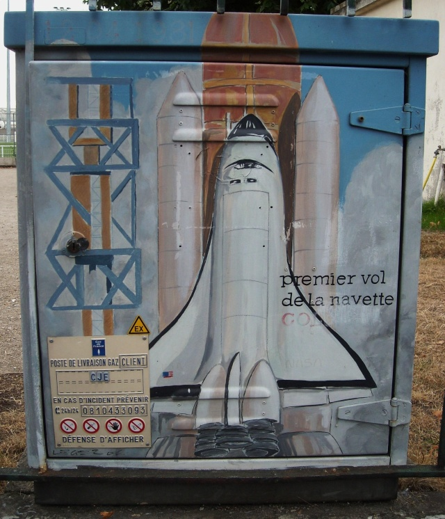 drancy - Superbe / Space Street Art à Drancy Dscn7311