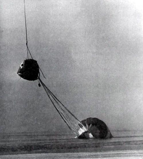 Premiers tests des procédures de récupération en mer d'Orion - Page 2 Soyuz-10