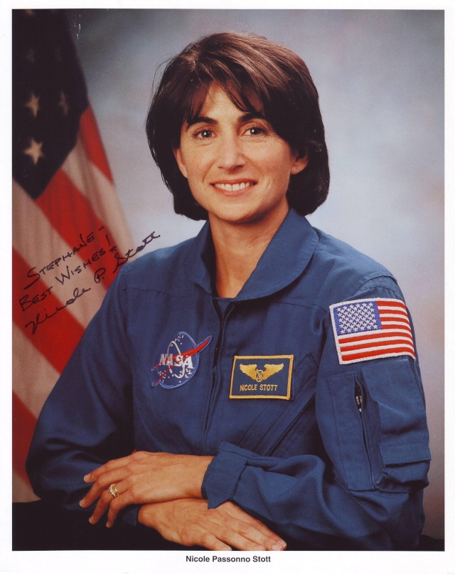 [STS-128] suivi EVA#1 (Stott & Olivas) Stott_10