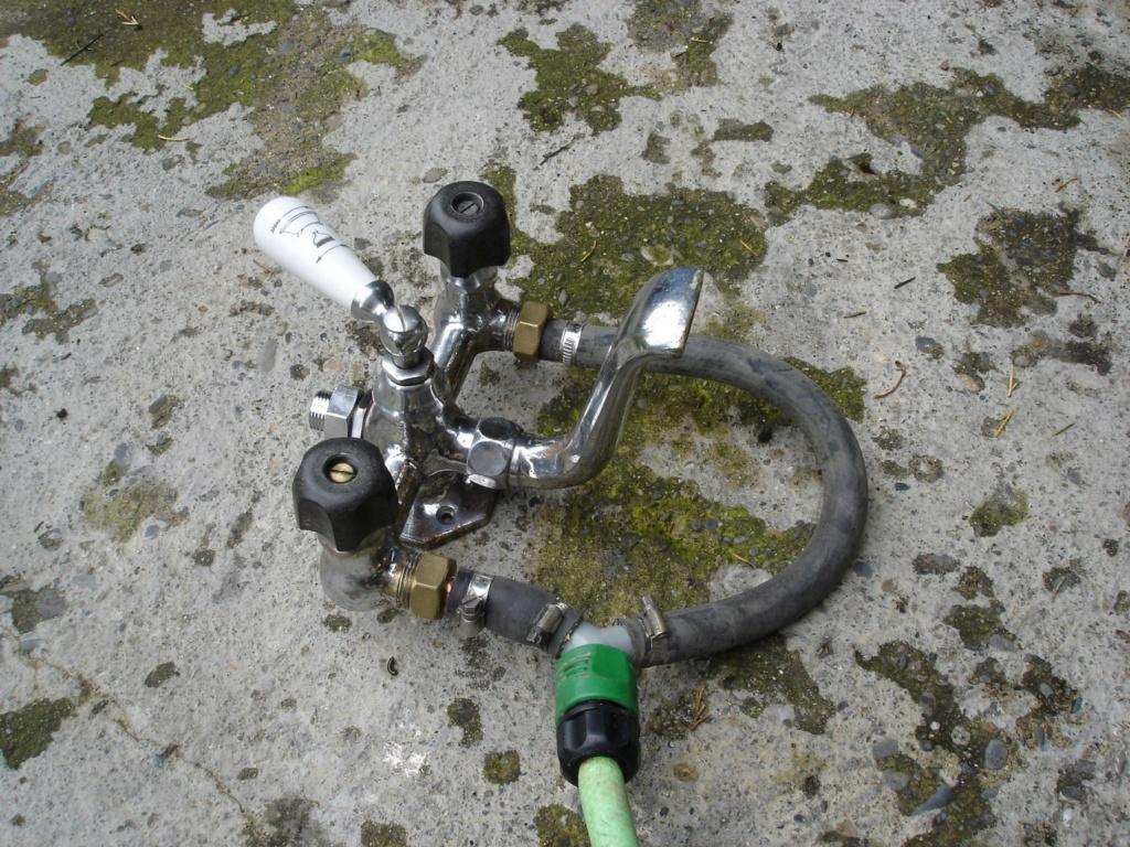 (tentative de) restauration robinet baignoire.. (fait..!) Dsc01414