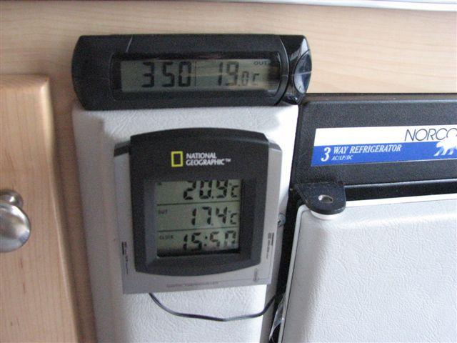 température du frigo (thermomètre et ventilateur) Tb_24410