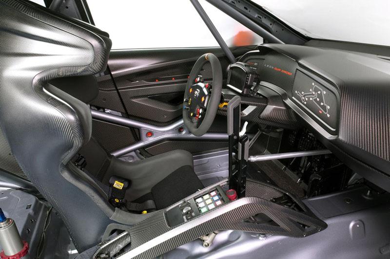 MEET THE SEAT LEON CUP RACER  (Ibiza SC) Leon-c12