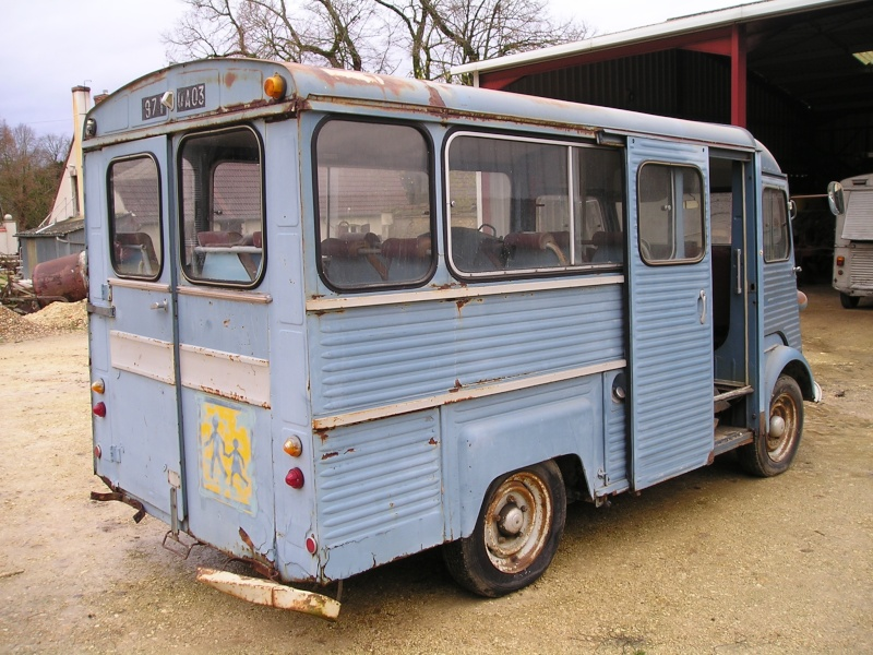 Présentation : HW CURRUS Mini-bus 18 places ( 1974) 1010