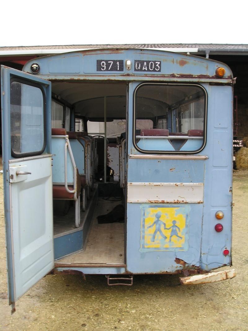 Présentation : HW CURRUS Mini-bus 18 places ( 1974) 1210