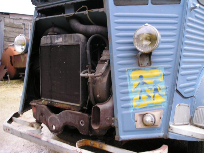Présentation : HW CURRUS Mini-bus 18 places ( 1974) 1510