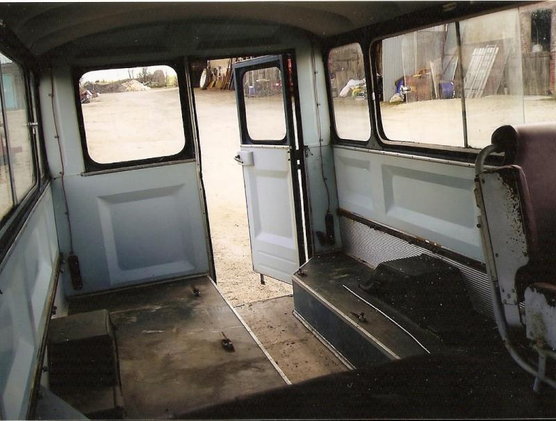 Présentation : HW CURRUS Mini-bus 18 places ( 1974) 410