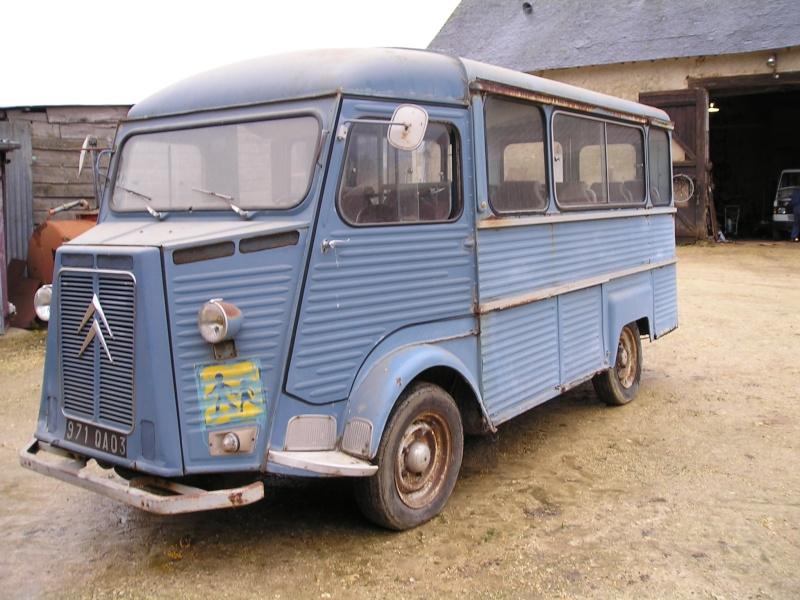 Présentation : HW CURRUS Mini-bus 18 places ( 1974) 913