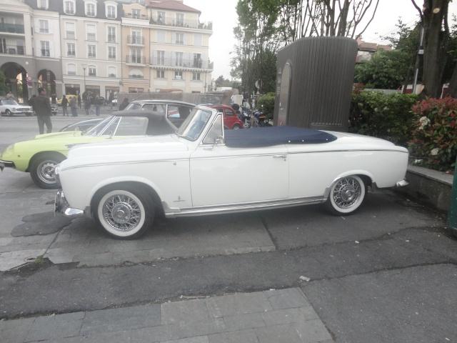 Exposition anciennes voitures des films/series TV a Noisy le Grand Dsc01312