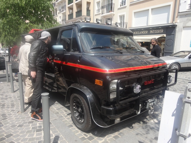 Exposition anciennes voitures des films/series TV a Noisy le Grand Dsc01315