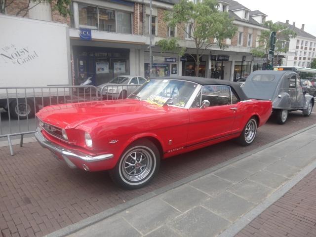 Exposition anciennes voitures des films/series TV a Noisy le Grand Dsc01319